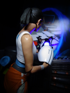 Chell-Opens-A-Portal