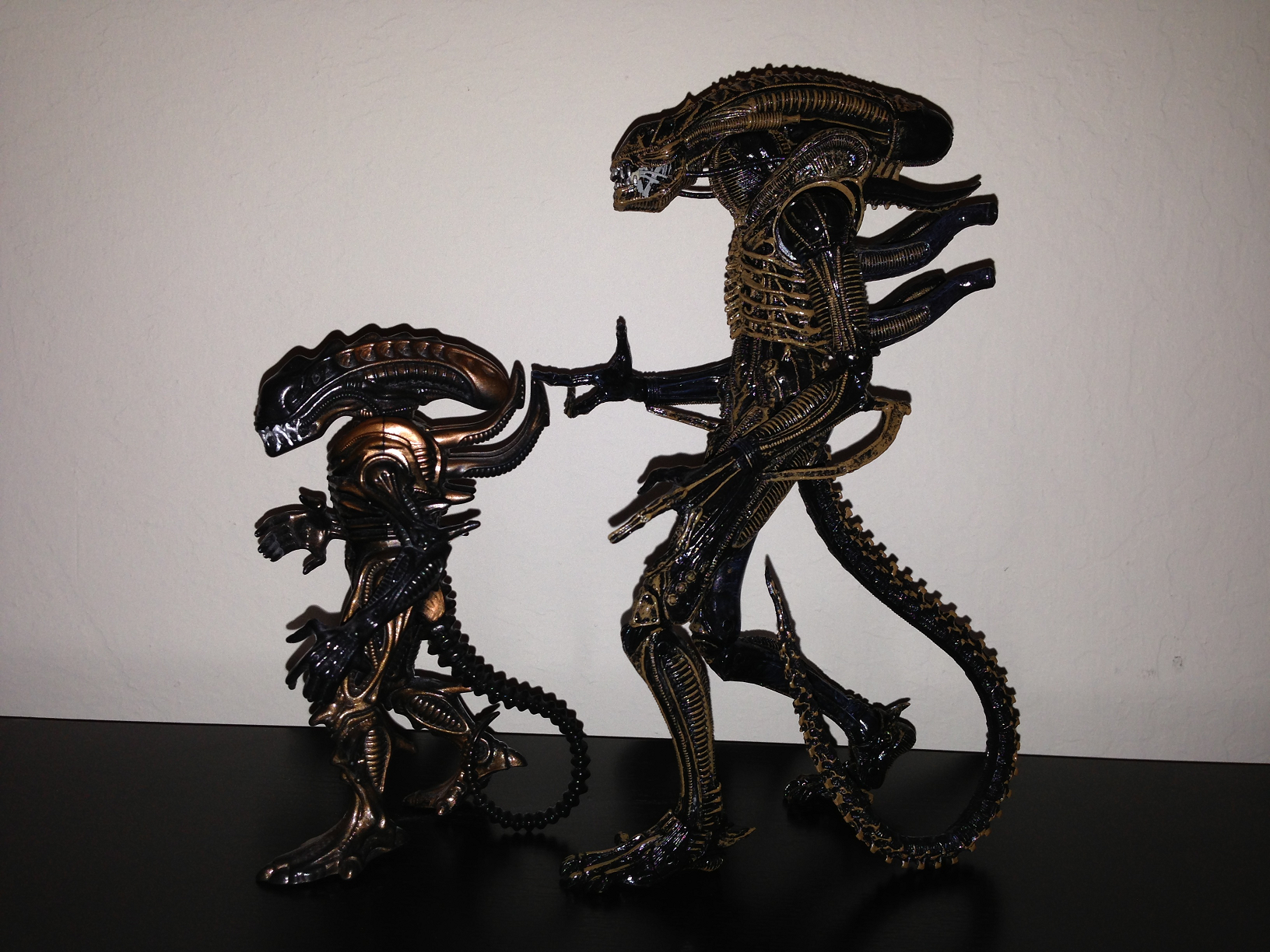 Life In Plastic: Toy Review: Warrior Xenomorph (NECA Aliens