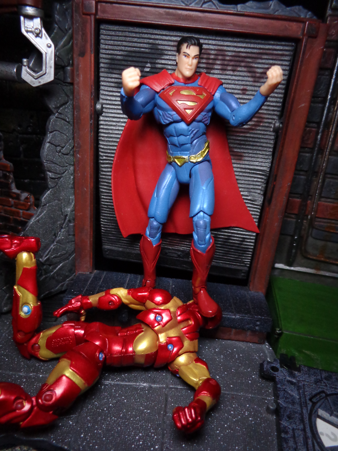 Toys For Injustice : Life in plastic toy review superman nightwing
