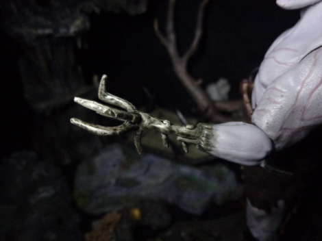 azog-claw