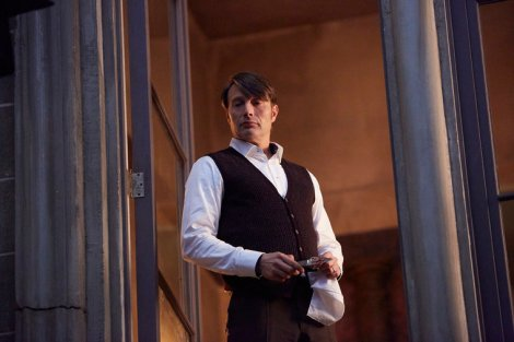 "HANNIBAL -- ""Contorno"" Episode 305 -- Pictured: Mads Mikkelsen as Hannibal Lecter -- (Photo by: Sophie Giraud/NBC)"